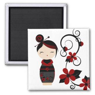 De gotische Kokeshi en Magneet van Bloemen
