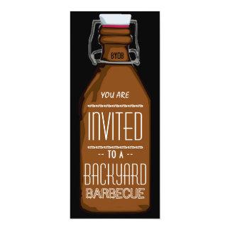 De grappige BBQ van de Fles van het Bier BYOB 10,2x23,5 Uitnodiging Kaart