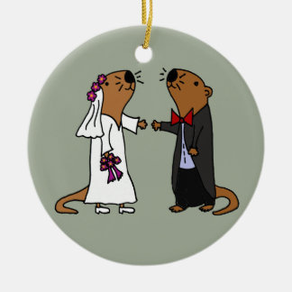 De grappige Cartoon van het Huwelijk van de Otter Rond Keramisch Ornament