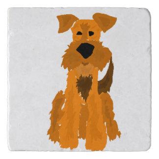 De grappige Hond van Airedale Terrier Trivet