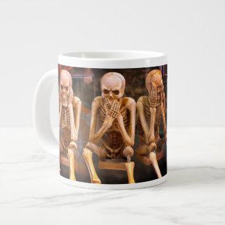 """De grappige Radiologen """"horen Geen Kwaad… """" Grote Koffiekop"""