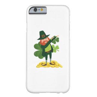 De grappige Schar die van de Kabouter St Patricks Barely There iPhone 6 Hoesje