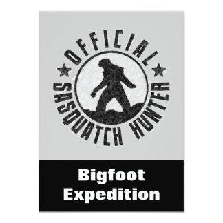 De Grappige Uitnodiging van de Jager van Sasquatch