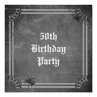 De griezelige Verjaardag van Halloween vijftigste 13,3x13,3 Vierkante Uitnodiging Kaart
