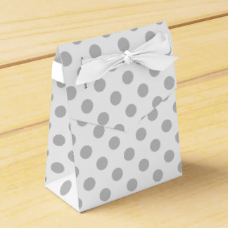 De grijze en witte doos van de stippengunst bedankdoosjes
