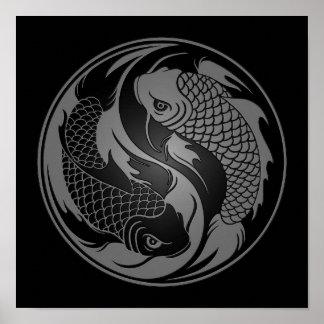 De grijze en Zwarte Vissen van Yin Yang Koi Poster