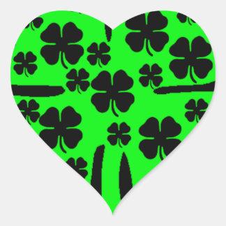 De grote Groene Vier zwarte klavers van de Hartvormige Stickers