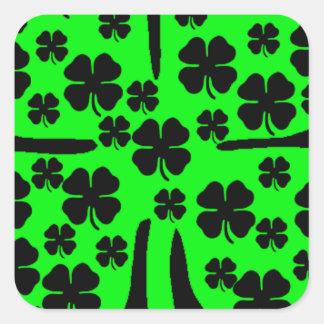De grote Groene Vier zwarte klavers van de Vierkant Sticker