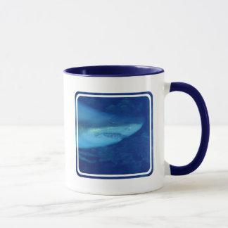 De grote Witte Mok van de Koffie van de Haai