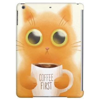 De hand schilderde leuk katje met koffie eerst tot