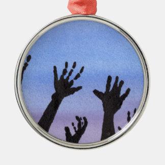 De Handen van de zombie bij Schemer Zilverkleurig Rond Ornament