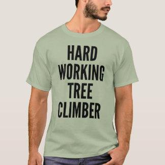 De harde Werkende Klimmer van de Boom T Shirt