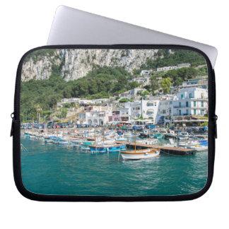 De haven van het droomEiland Capri Laptop Sleeve