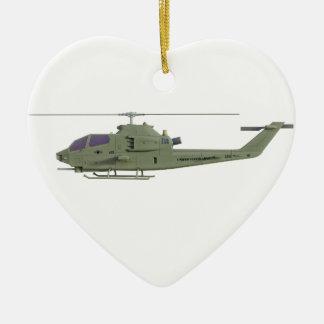 De helikopter van Apache in zijaanzichtprofiel Keramisch Hart Ornament