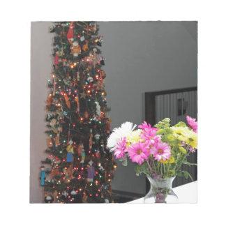 De het kleurrijke Boeket en Kerstboom van de Bloem Notitieblok