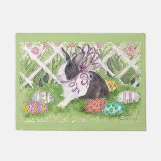 De het Nederlandse Konijn en Eieren van Pasen Deurmat