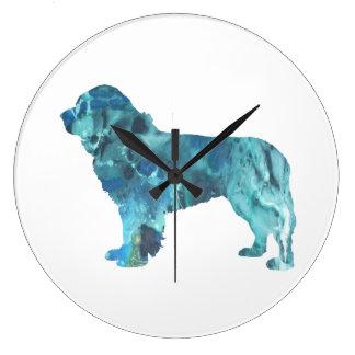 De Hond van Newfoundland Grote Klok
