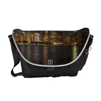 De Horizon Chicago Pano van de nacht Messenger Bag