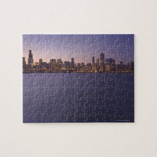 De horizon van Chicago bij twilight. Legpuzzel