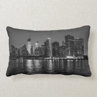 De Horizon van de Nacht van de Stad van New York Lumbar Kussen