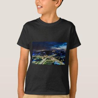 De Horizon van de Nacht van Riga T Shirt