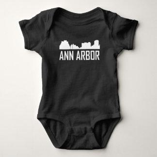 De Horizon van de Stad van Ann Arbor Michigan Romper