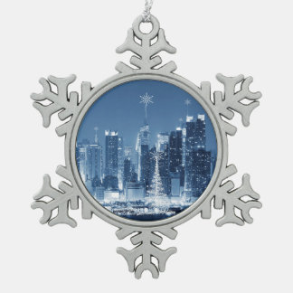 De Horizon van de Winter van de Stad van New York Tin Sneeuwvlok Ornament