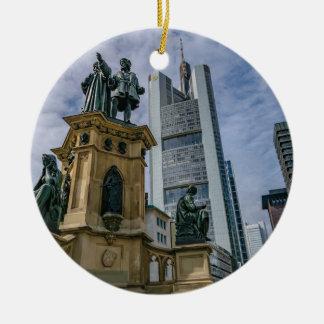 De Horizon van Frankfurt Rond Keramisch Ornament