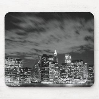 De horizon van Manhattan bij de Lichten van de Nac Muismatten
