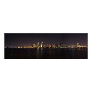 De Horizon van San Diego bij nacht Foto