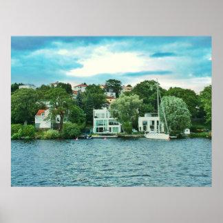 De huizen van de waterkant in Zweden Poster