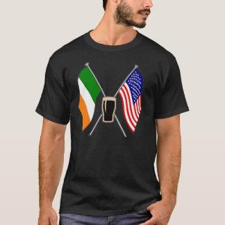 De Ierse Ierse Amerikaanse en Ierse vlaggen van T Shirt