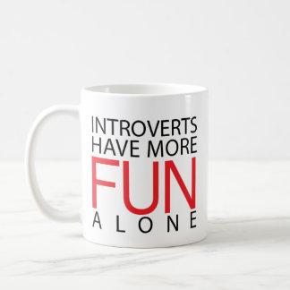 De introverten hebben Meer Pret Koffiemok