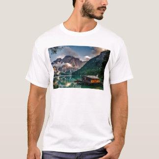 De Italiaanse Cabine van de Berg van de Oever van T Shirt
