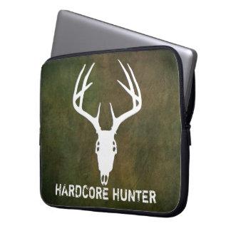 De jachtschedel van herten met geweitakken laptop sleeve