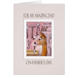 De kaart van het vaderdag, Papa, hond Corgi in
