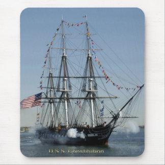 De Kanonnen van het Vuren van de Grondwet van USS Muismat