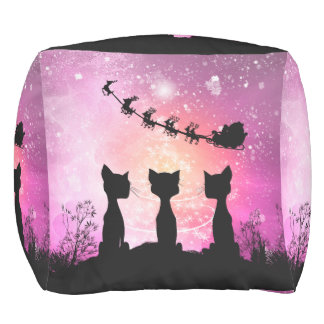 De katten kijkt aan de hemel aan de Kerstman Vierkante Poef