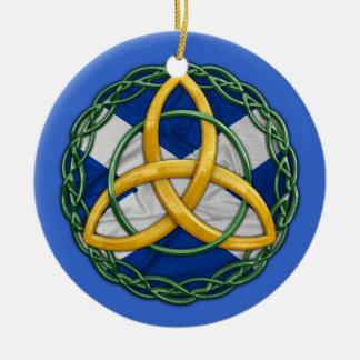 De Keltische Knoop van de Drievuldigheid Rond Keramisch Ornament