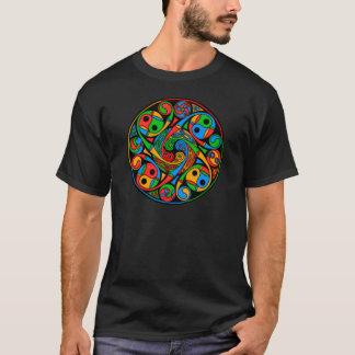 De Keltische Spiraal van het Gebrandschilderd glas T Shirt