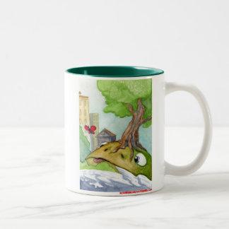 De kikker van de Heuvel en de Vlinder Tweekleurige Koffiemok