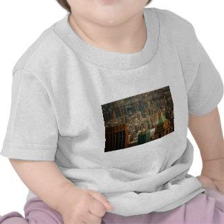 De kleurrijke Daken van de Stad van New York T-shirts