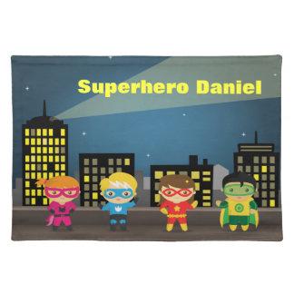De kleurrijke Horizon van de Stad Superhero voor K Placemat