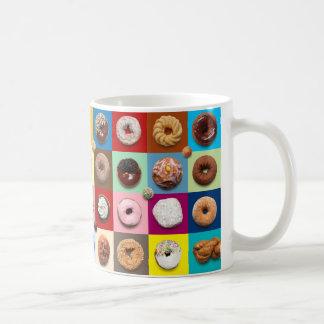 De kleurrijke Mok van de Ochtend Donuts