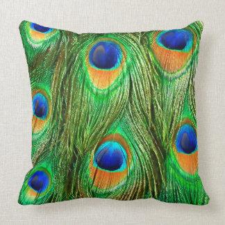 De kleurrijke Pauw bevedert Druk Sierkussen