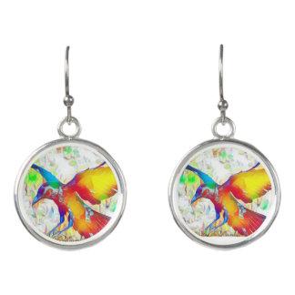 De kleurrijke Vogel van de Raaf bengelt oorringen