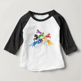 De kleurrijke wilde Eenhoorns van de illustratie Baby T Shirts