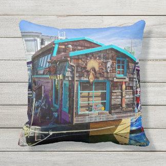 De kleurrijke Woonboot Fishermans Openlucht werpt Buitenkussen