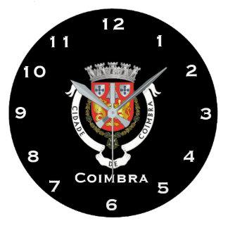 De Klok van de Muur van Coimbra Portugal