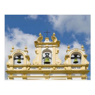 De klokketoren van de kerk in bergdorp van Zahara Briefkaart